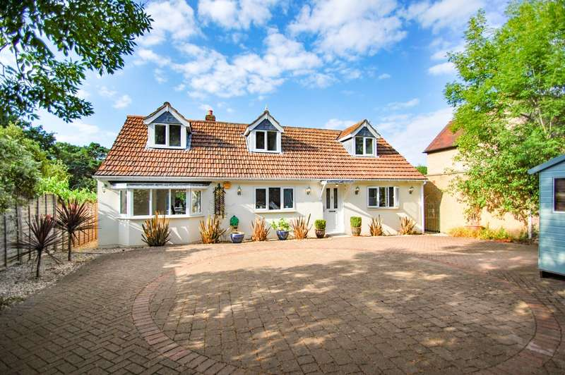 5 Bedrooms Chalet House for sale in Oxford Road, Tatling End, Gerrards Cross, SL9