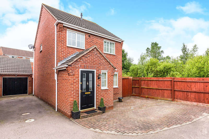 3 Bedrooms Detached House for sale in Rowley Close, Swadlincote, DE11