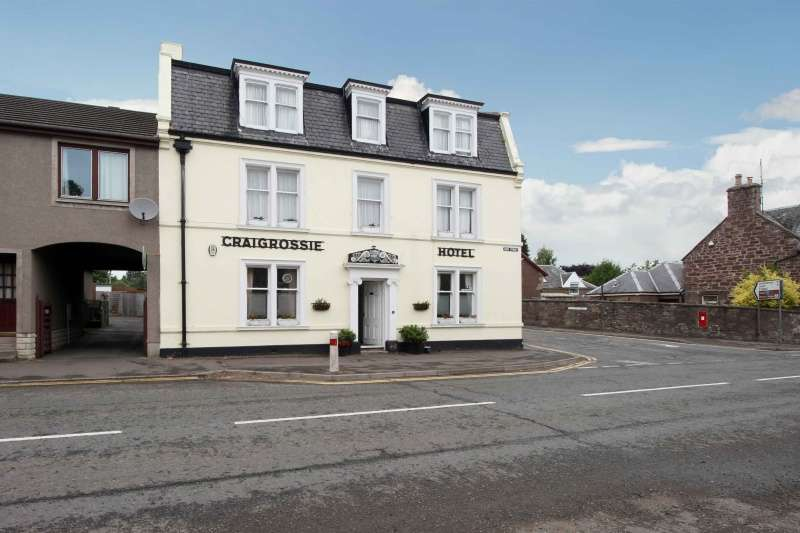 5 Bedrooms Hotel Commercial for sale in 1 High Street, Auchterarder, Perthshire, PH3 1DF