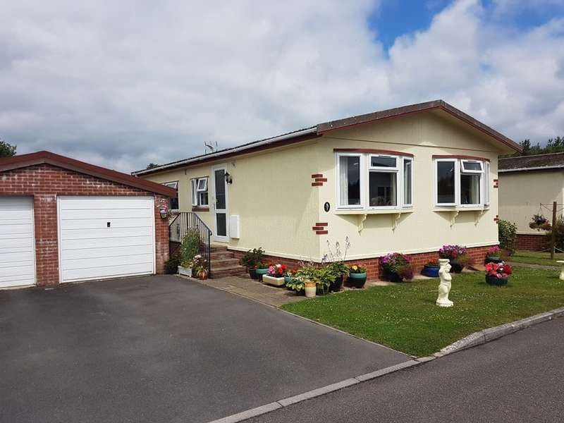 2 Bedrooms Mobile Home for sale in New Park, Bovey Tracey, Newton Abbot