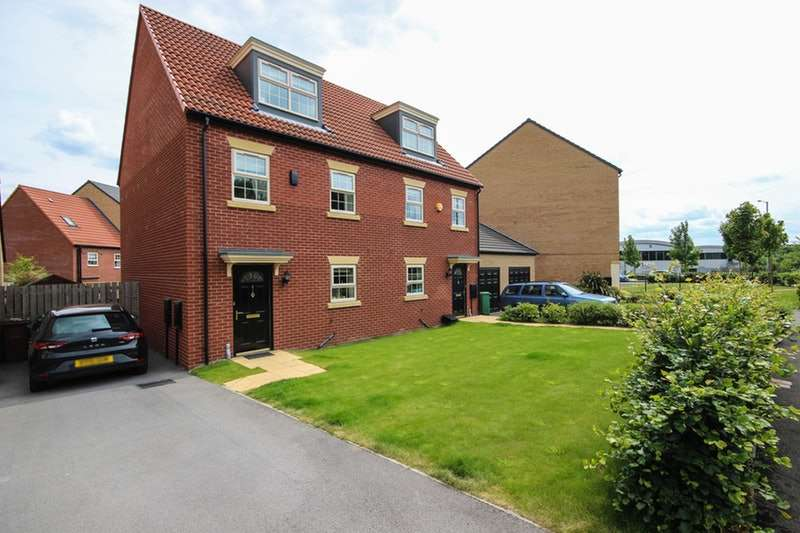 3 Bedrooms Semi Detached House for sale in Bullerthorpe Lane, Leeds, West Yorkshire, LS15