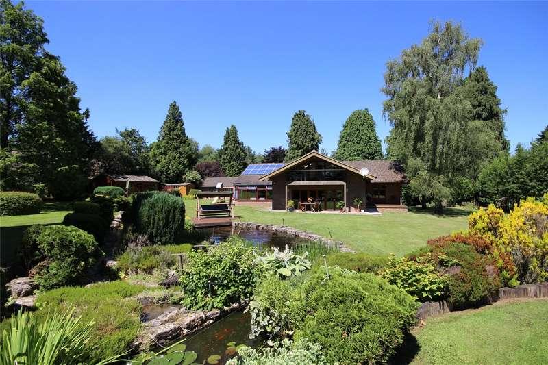 4 Bedrooms Detached House for sale in Brislands Lane, Four Marks, Alton, Hampshire, GU34