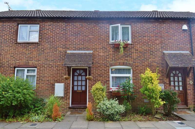 2 Bedrooms Terraced House for sale in Bishops Way, Canterbury