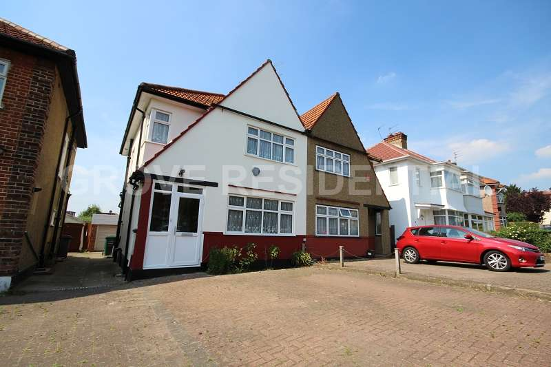 3 Bedrooms Semi Detached House for sale in Deans Lane, Edgware, Middlesex . HA8 9PH