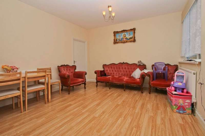 2 Bedrooms Flat for sale in Drayton Waye, Harrow