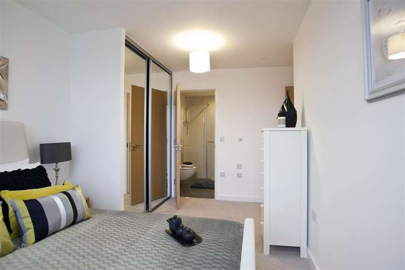 2 Bedrooms Apartment Flat for sale in Suez Way, Brighton, East Sussex