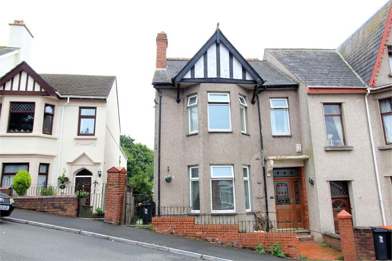 4 Bedrooms Semi Detached House for sale in Eveswell Park Road, Newport, NP19