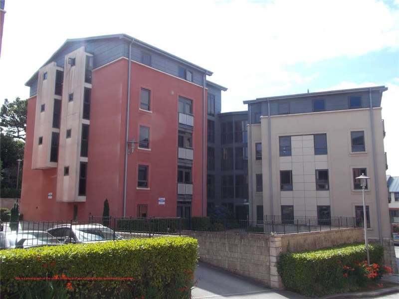 2 Bedrooms Flat for sale in Corte Mear, Truro