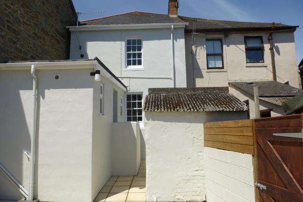 2 Bedrooms Terraced House for sale in Chywoone Hill, Newlyn, Penzance, Cornwall