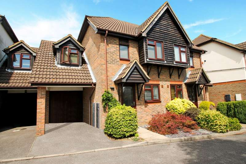 3 Bedrooms Semi Detached House for sale in Priory Gardens, Ashford, TW15