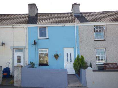 2 Bedrooms Terraced House for sale in Kingsland Road, Holyhead, Anglesey, LL65