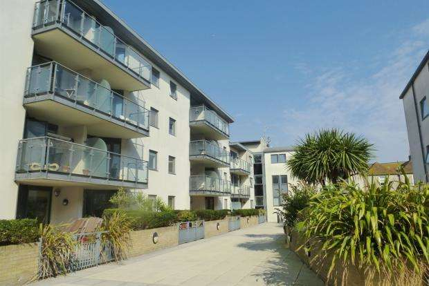 2 Bedrooms Apartment Flat for rent in West Street, Brighton, East Sussex, BN1 2RP