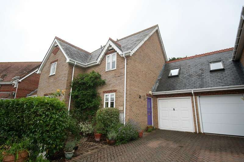 3 Bedrooms Semi Detached House for sale in Turbetts Close, Lytchett Matravers, Poole