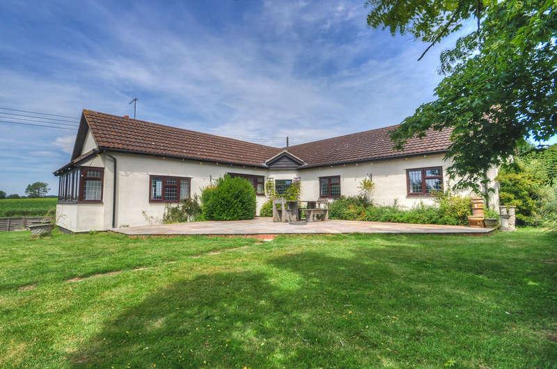 5 Bedrooms Detached Bungalow for sale in Brussels Green, Darsham, Saxmundham