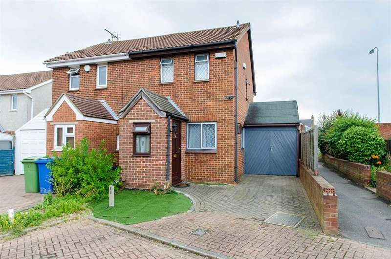 2 Bedrooms Semi Detached House for sale in Whimbrel Close, Sittingbourne