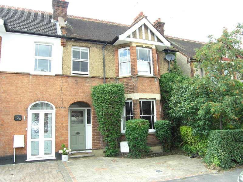 4 Bedrooms Semi Detached House for sale in Oxhey Avenue, Oxhey