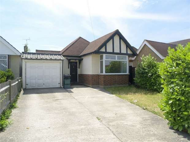 2 Bedrooms Detached Bungalow for sale in West Mead, Ewell Court