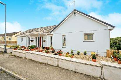 4 Bedrooms Detached House for sale in Tresillian, Truro, Cornwall
