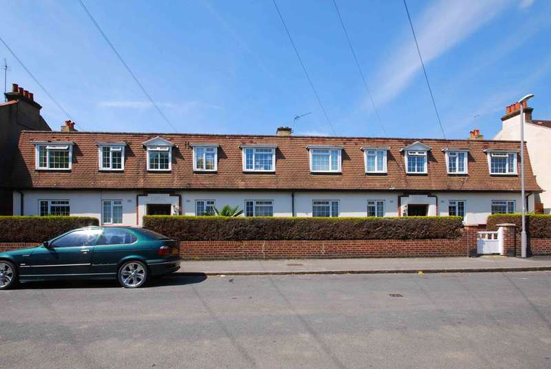 2 Bedrooms Flat for sale in Beresford Road, New Malden, KT3