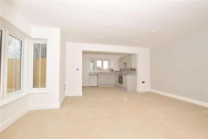 2 Bedrooms Detached Bungalow for sale in Ham Road, Faversham, Kent