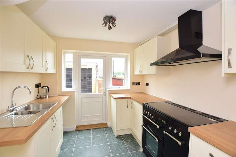 3 Bedrooms Semi Detached House for sale in Roseholme, Maidstone, Kent