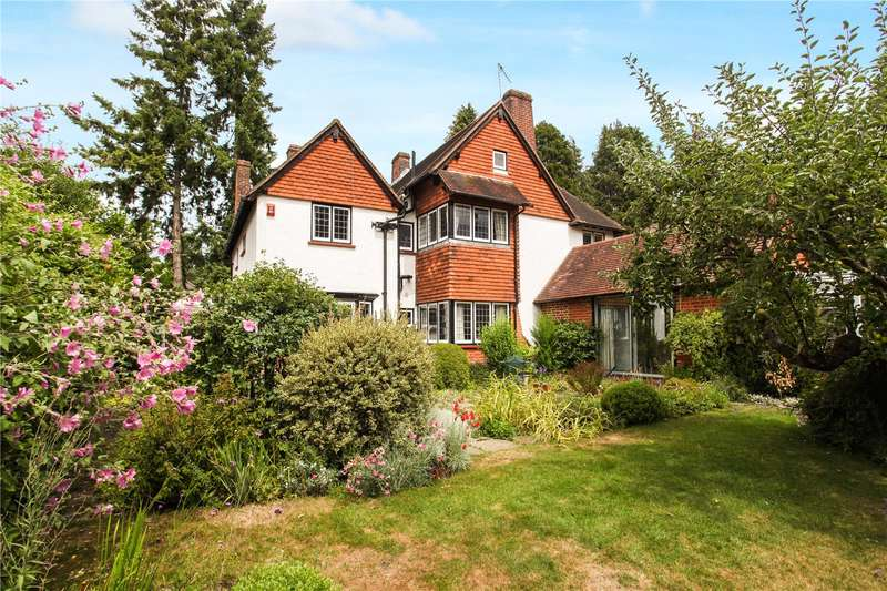 5 Bedrooms Detached House for sale in Hook Heath Avenue, Woking, Surrey, GU22