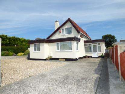 3 Bedrooms Detached House for sale in Lon Gardener, Valley, Holyhead, Sir Ynys Mon, LL65