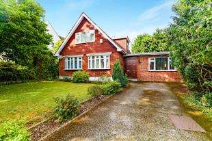 4 Bedrooms Detached House for sale in Grovelands Road, Purley, Surrey