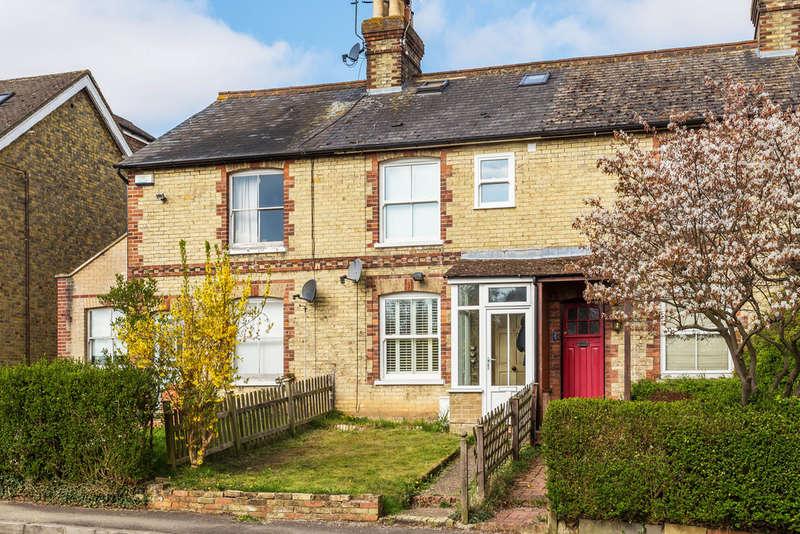 3 Bedrooms Terraced House for sale in Salisbury Road, Godstone, RH9