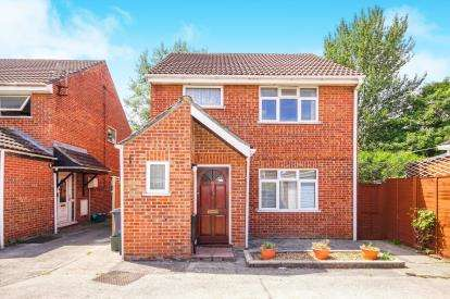 3 Bedrooms Detached House for sale in Oak Close, Yate, Bristol, Gloucestershire