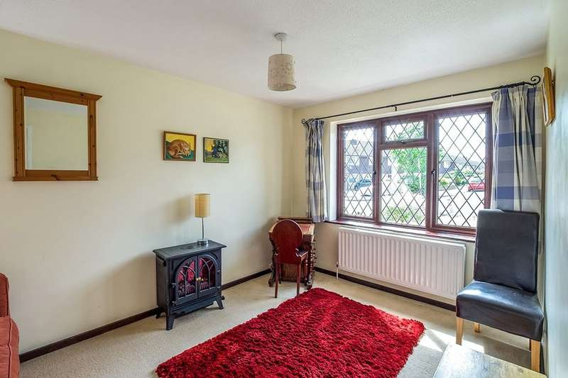 4 Bedrooms Detached House for sale in The Street, Lower Halstow, Sittingbourne, ME9