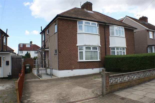 2 Bedrooms Semi Detached House for sale in St Davids Drive, Edgware, Middlesex