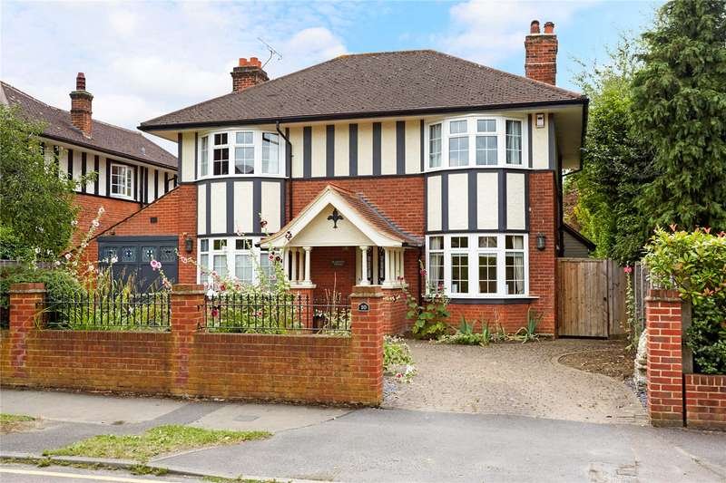 5 Bedrooms Detached House for sale in Oakfield Road, Ashtead, Surrey, KT21