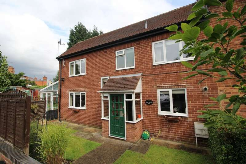 2 Bedrooms Semi Detached House for sale in Sutton Road, Walsall, WS1