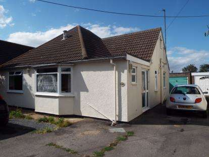 2 Bedrooms Semi Detached House for sale in Kirby Cross, Frinton-On-Sea, Essex