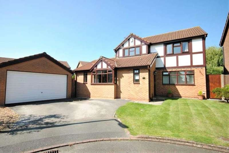 4 Bedrooms Detached House for sale in Hawthorn Close, Wesham, Preston, Lancashire, PR4 3ED