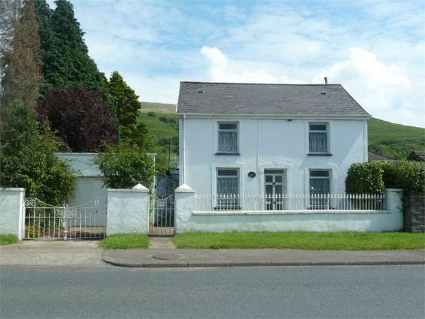 3 Bedrooms Detached House for sale in Picton Place, Nantyffyllon, Maesteg, Mid Glamorgan