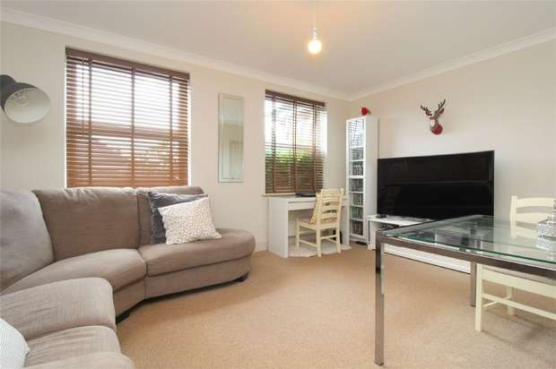 2 Bedrooms Flat for sale in Exeforde House, 230 Stanwell Road, Ashford, Middlesex