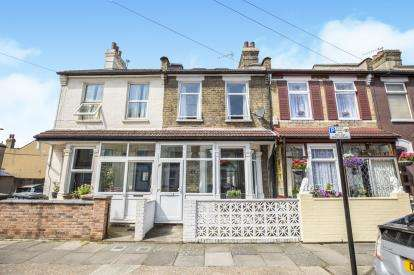 4 Bedrooms Terraced House for sale in Plaistow, London, England