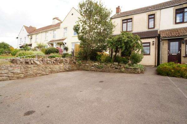 3 Bedrooms House for sale in Main Road, Shortwood, Bristol, BS16 9NH