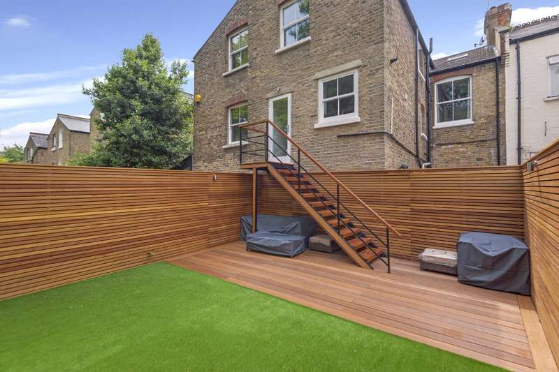 3 Bedrooms Flat for sale in Narcissus Road, West Hampstead