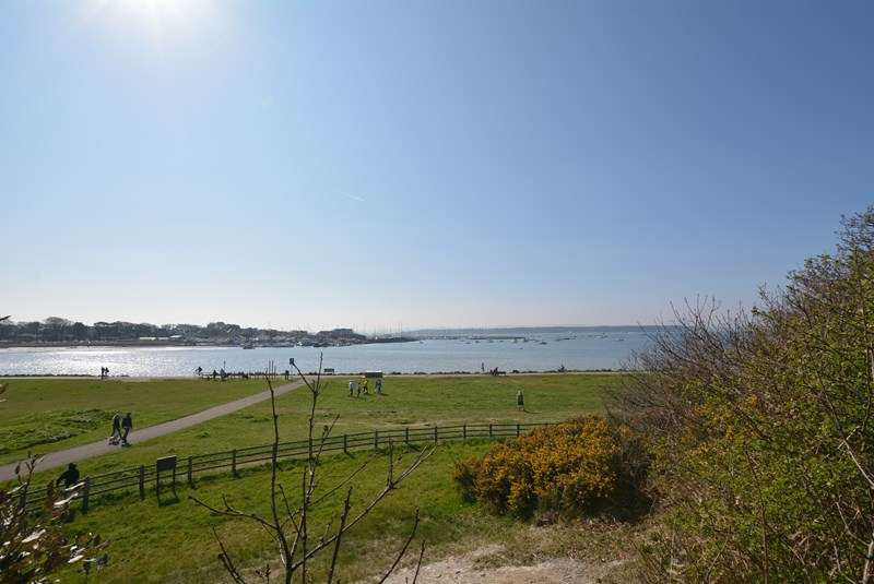 2 Bedrooms Apartment Flat for sale in Lower Parkstone, Poole, BH14