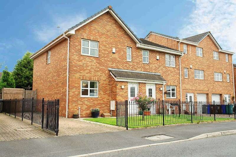 3 Bedrooms Semi Detached House for sale in 75 Blueberry Avenue, New Moston