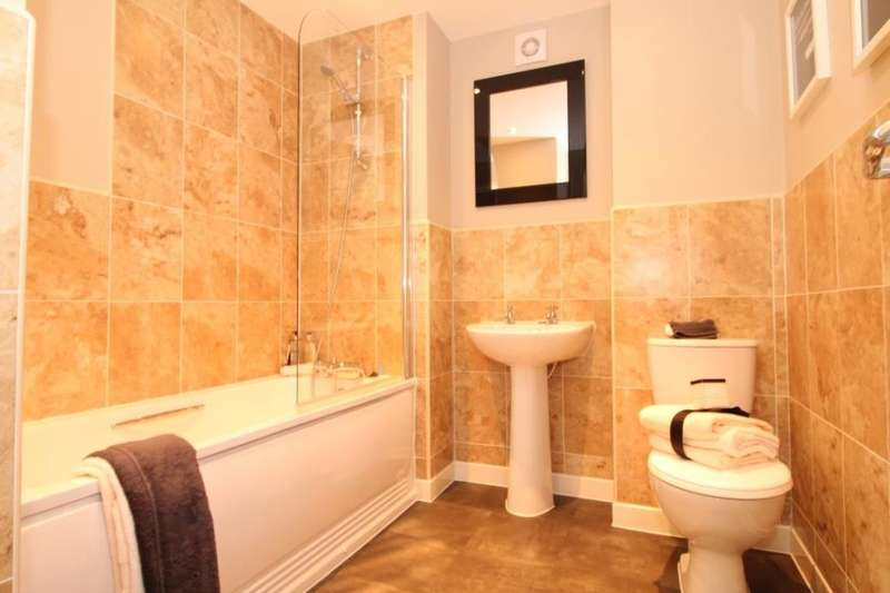 3 Bedrooms Detached House for sale in Rowan Tree Road, Oldham, OL8