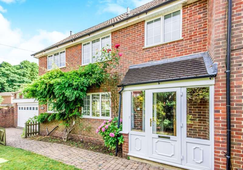 4 Bedrooms Detached House for sale in Knoll Road, Dorking