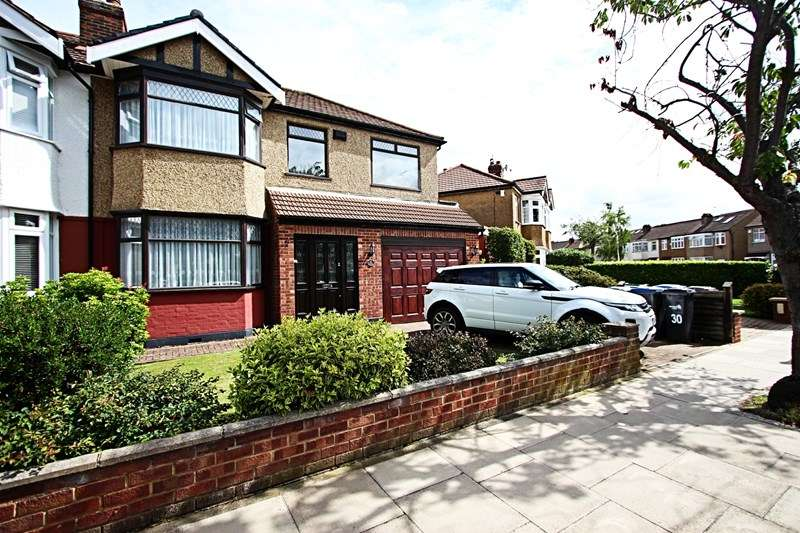 4 Bedrooms Property for sale in Fillebrook Avenue, Enfield