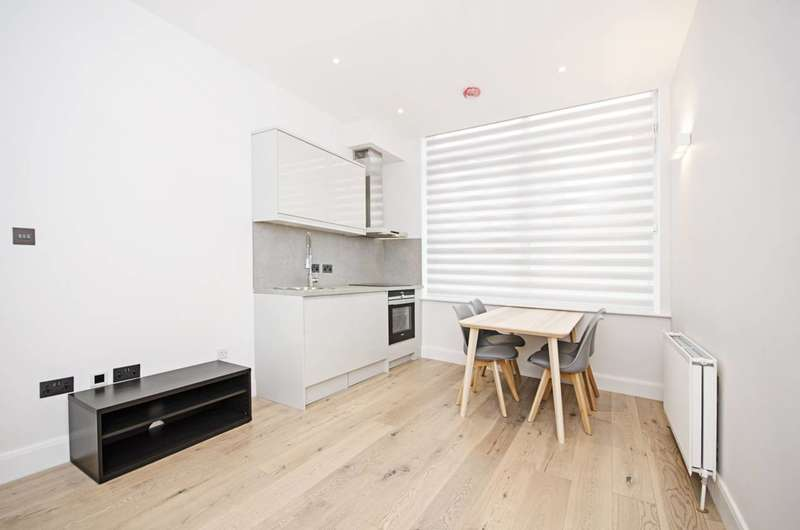 1 Bedroom Flat for sale in Station Road, Hendon, NW4