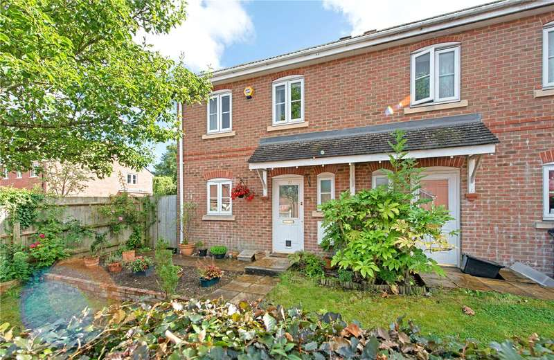 3 Bedrooms Terraced House for sale in Jubilee Close, Salisbury, Wiltshire, SP2