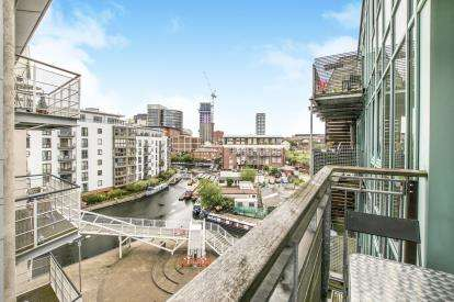 2 Bedrooms Flat for sale in The Glasshouse, 3 Canal Square, Birmingham, West Midlands