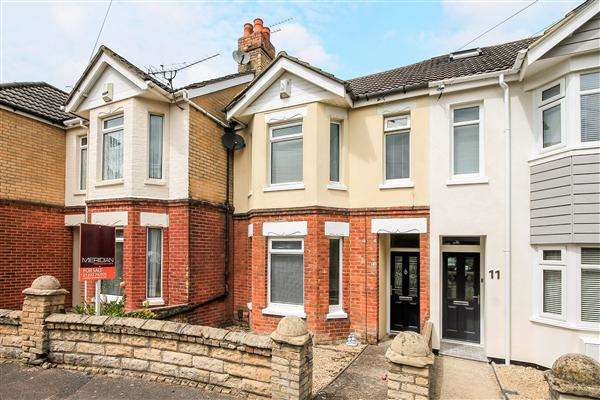 3 Bedrooms Terraced House for sale in Croft Road, Poole